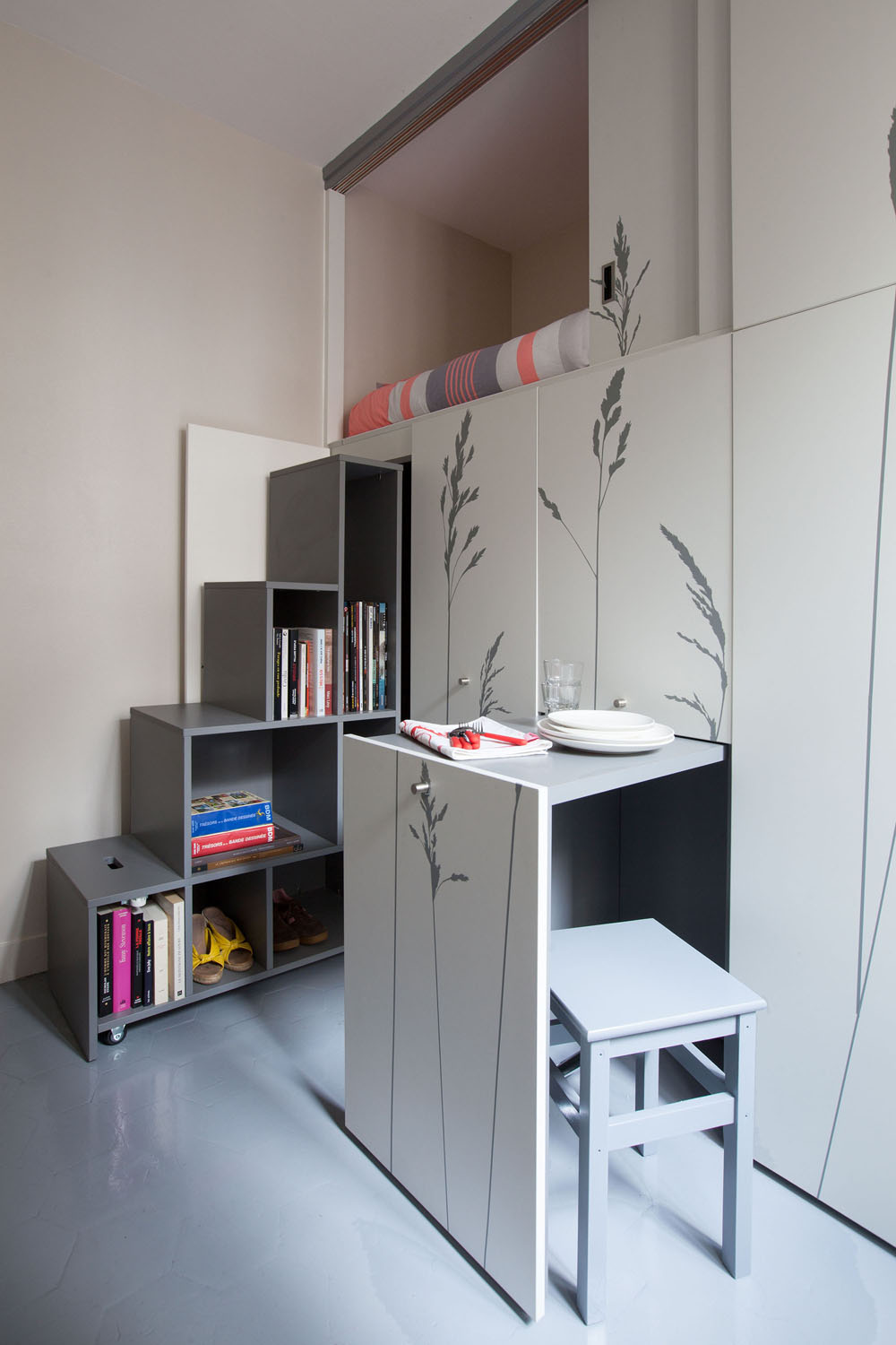 apartament compact in paris